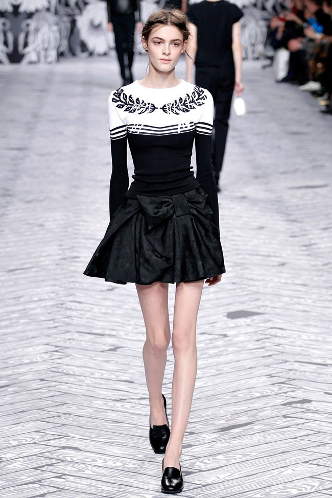 PARIS FASHION WEEK- Viktor & Rolf Fall 2013. www.imageamplified.com, Image Amplified (4)