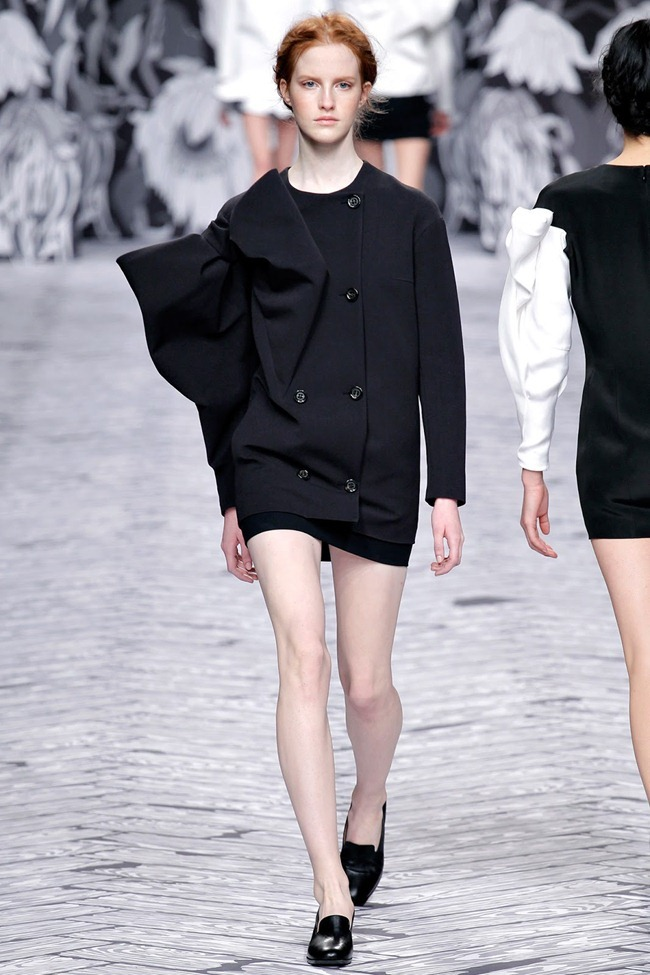 PARIS FASHION WEEK- Viktor & Rolf Fall 2013. www.imageamplified.com, Image Amplified (10)