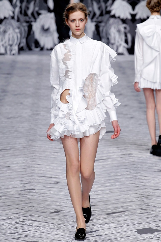 PARIS FASHION WEEK- Viktor & Rolf Fall 2013. www.imageamplified.com, Image Amplified (33)