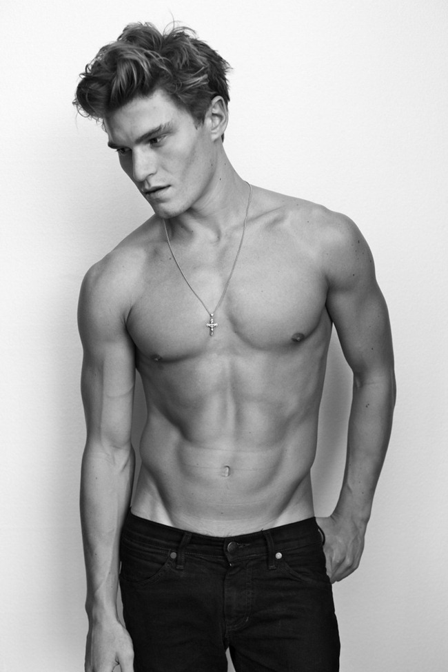 MASCULINE DOSAGE Oliver Cheshire by Arnaldo Anaya-Lucca. www.imageamplified.com, Image Amplified (4)