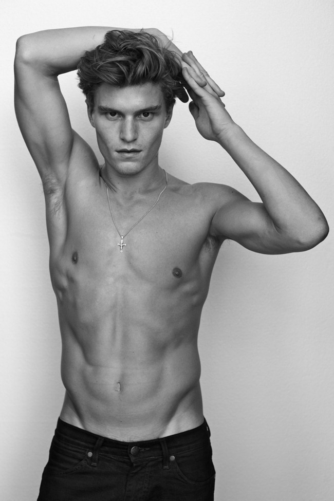 MASCULINE DOSAGE Oliver Cheshire by Arnaldo Anaya-Lucca. www.imageamplified.com, Image Amplified (1)