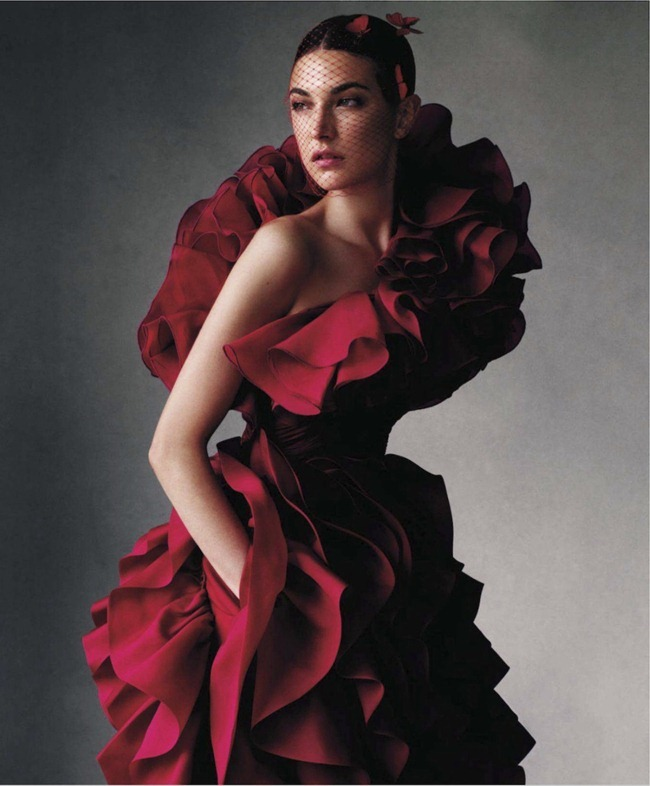 HARPER'S BAZAAR MAGAZINE Jacquelyn Jablonski in Daring by Victor Demarchelier. Joanna Hillman, November 2012, www.imageamplified.com, Image Amplified (2)