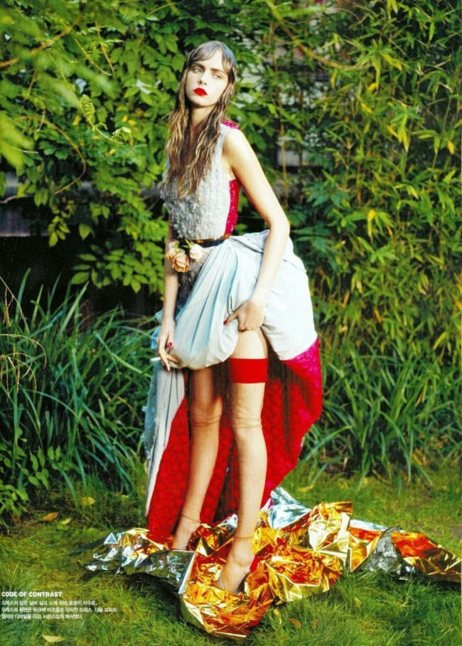VOGUE KOREA- Cara Delevigne in Flower Girl by Sanchez & Mongiello. Ye Young Kim, December 2012, www.imageamplified.com, Image Amplified (3)