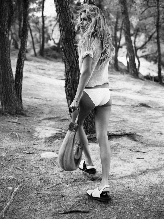 VOGUE UK- Doutzen Kroes in CAstaway by Josh Olins. Claire Richardson, January 2013, www.imageamplified.com, Image Amplified (1)