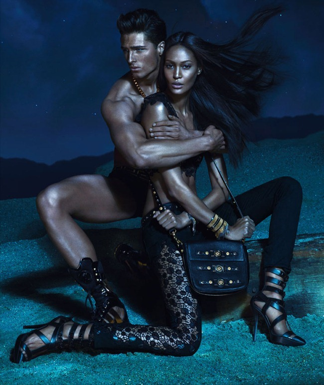 CAMPAIGN- Kate Moss, Edward Wilding, Kacey Carrig, Veit Couturier, Daria Werbowy & Joan Smalls for Versace Spring 2013 by Mert & Marcus. www.imageamplified.com, Image Amplified (7)
