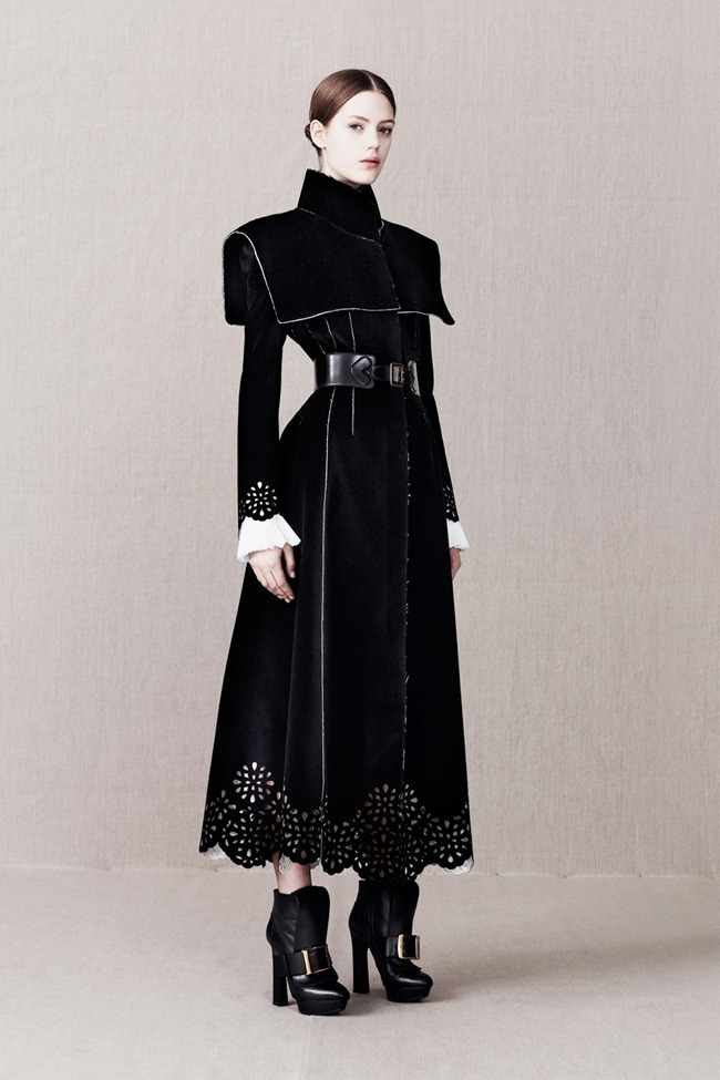 COLLECTION- Alexander McQueen Pre-Fall 2013. www.imageamplified.com, Image Amplified