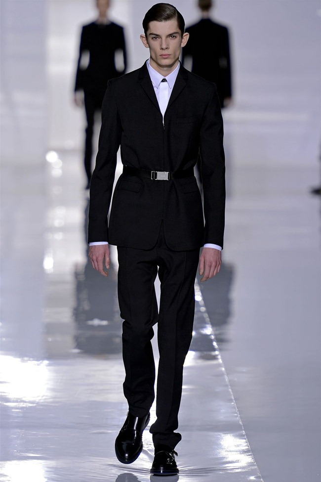 PARIS FASHION WEEK- Dior Homme Fall 2013. www.imageamplified.com, Image Amplified (4)