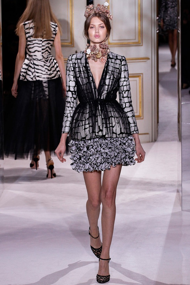 PARIS HAUTE COUTURE- Giambattista Valli Spring 2013. www.imageamplified.com, Image Amplified (14)