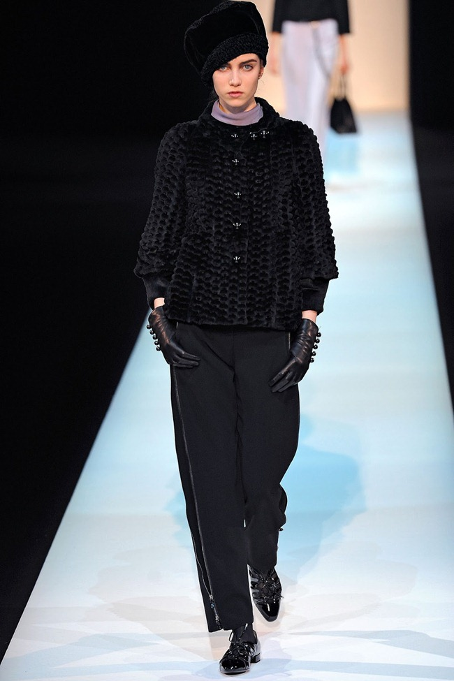 MILAN FASHION WEEK- Giorgio Armani Fall 2013. www.imageamplified.com, Image Amplified (11)