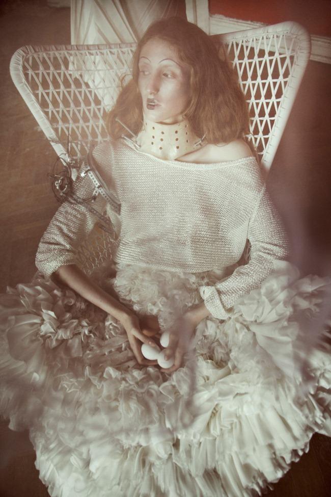 SUITCASE MAGAZINE- Sonia & Vera in Bird Cage by Krzysztof Wyzynski. www.imageamplified.com, Image Amplified (5)