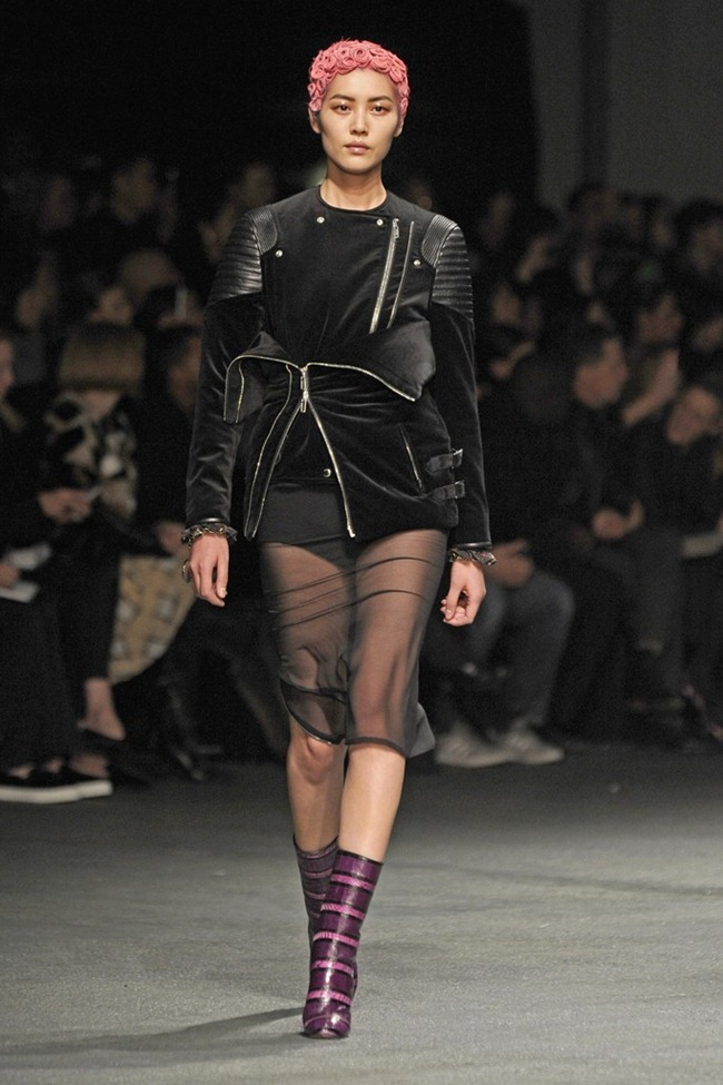 PARIS FASHION WEEK- Givenchy Fall 2013. www.imageamplified.com, Image Amplified (2)