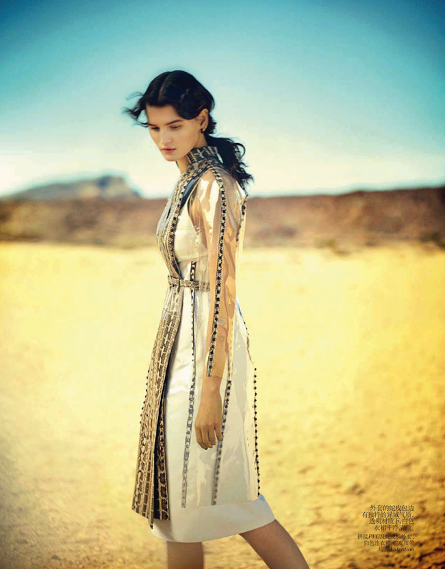 VOGUE CHINA- Katlin Aas in A Desert Moment by Boo George. Victoria Young, April 2013, www.imageamplified.com, Image Amplified (3)