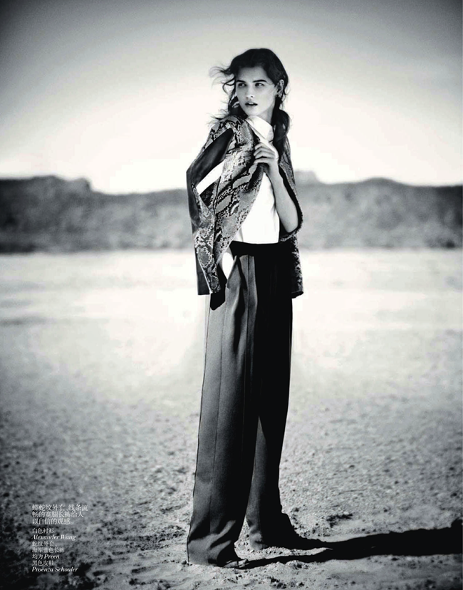 VOGUE CHINA- Katlin Aas in A Desert Moment by Boo George. Victoria Young, April 2013, www.imageamplified.com, Image Amplified (4)
