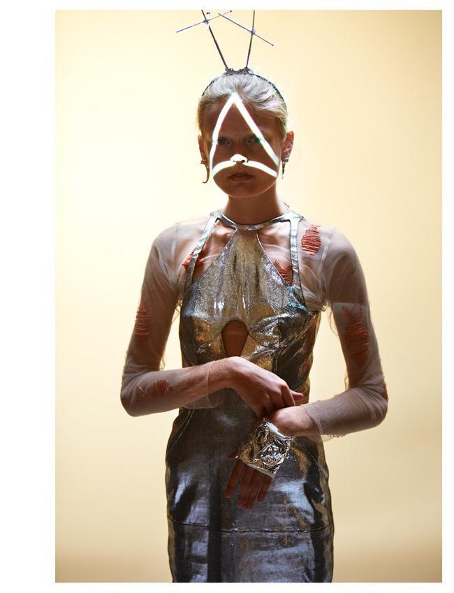 OYSTER MAGAZINE Hanne Gaby Odiele in EArth -- Hanne by Will Davidson. Stevie Dance, Fall 2012, www.imageamplified.com, Image Amplified (8)