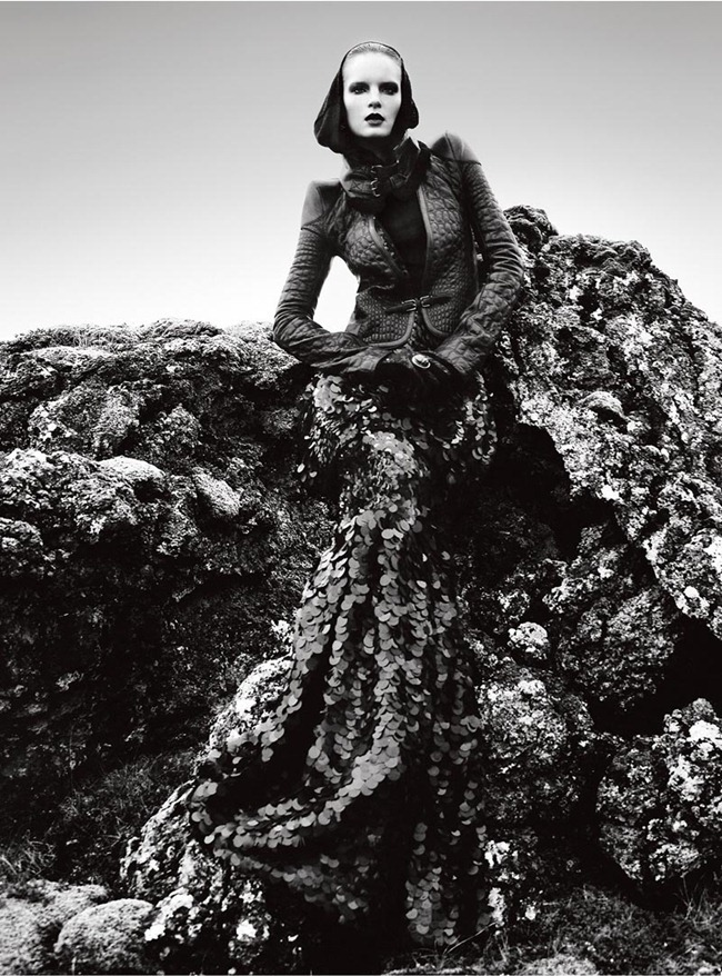 VOGUE PORTUGAL Charlotte Tomaszewska in Terra Nova by Kevin Sinclair. November 2012, Andrew Holden, www.imageamplified.com, Image Amplified (3)