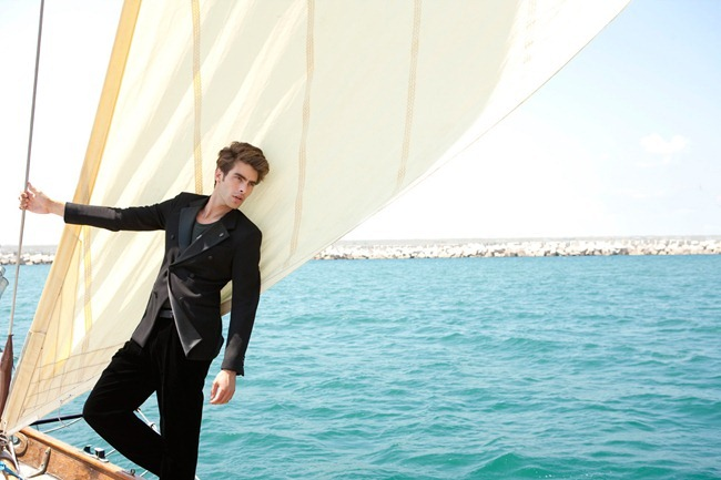 ESQUIRE SPAIN- Jon Kortajarena by Marcelo Krasilcic. December 2012, www.imageamplified.com, Image Amplified (6)