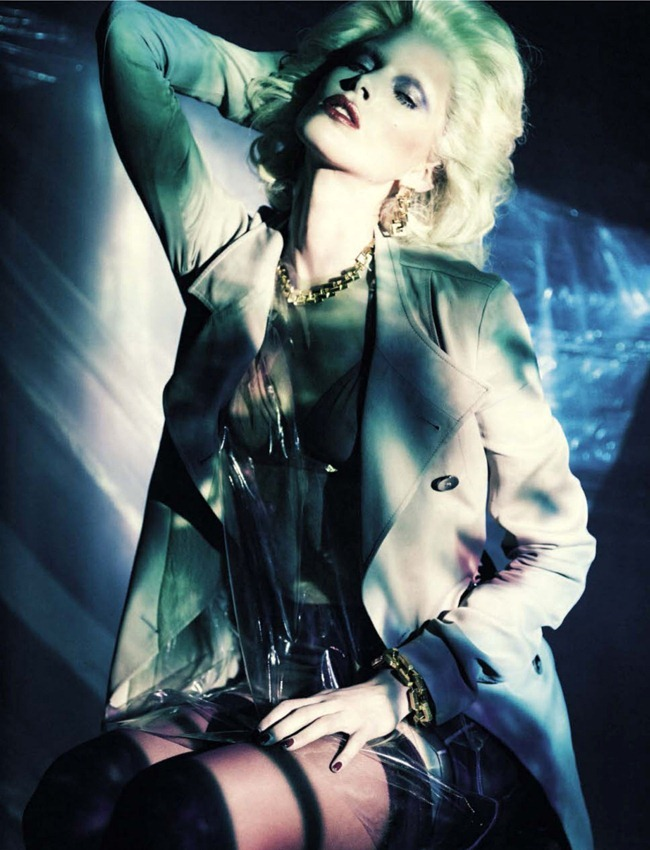 VOGUE ITALIA- Iselin Steiro in A Singular Blond Beauty by Paolo Roversi. Jacob K, December 2012, www.imageamplified.com, Image Amplified (5)