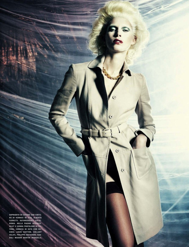 VOGUE ITALIA- Iselin Steiro in A Singular Blond Beauty by Paolo Roversi. Jacob K, December 2012, www.imageamplified.com, Image Amplified (12)