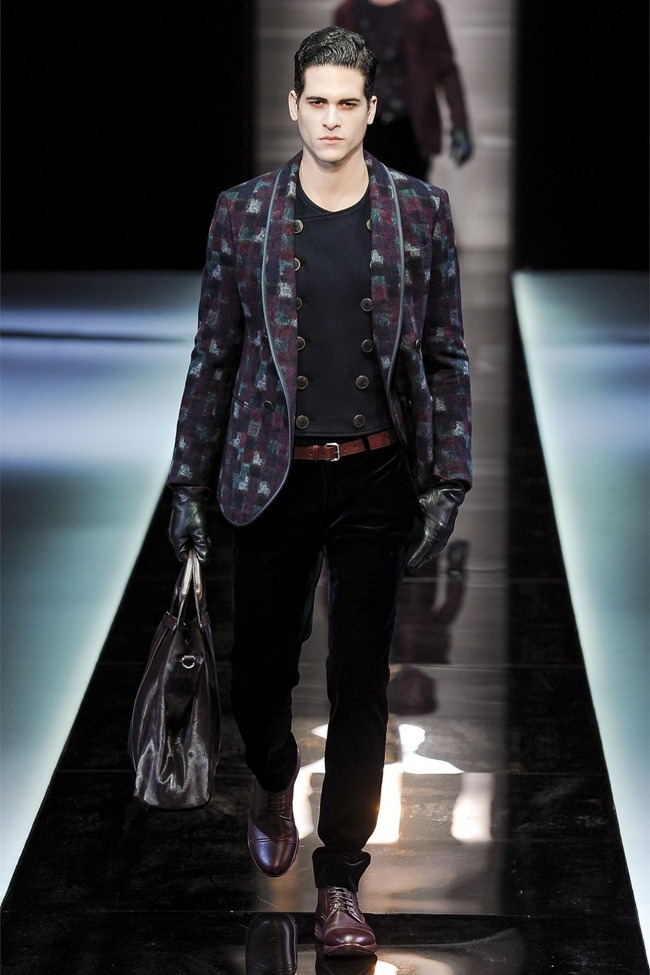 MILAN FASHION WEEK- Giorgio Armani Fall 2013. www.imageamplified.com, Image Amplified (12)