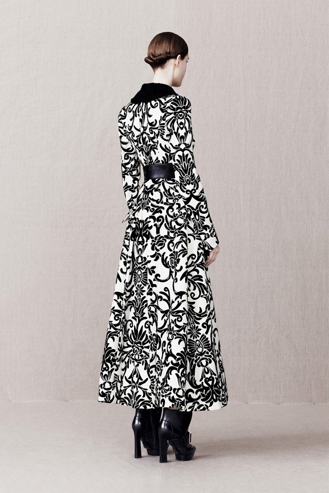 COLLECTION- Alexander McQueen Pre-Fall 2013. www.imageamplified.com, Image Amplified (6)