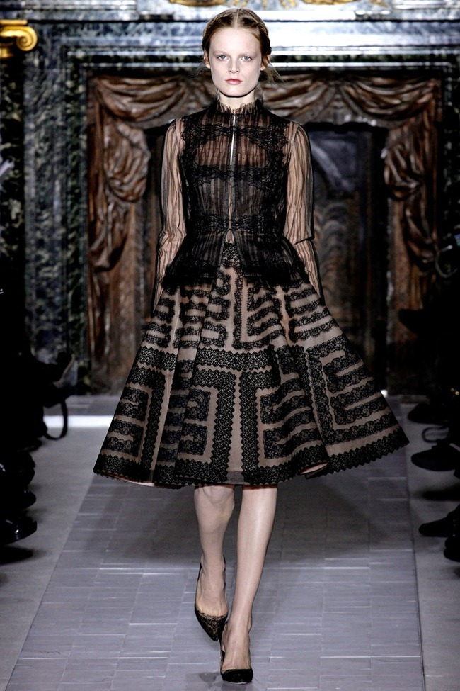 PARIS HAUTE COUTURE- Valentino Spring 2013. www.imageamplified.com, Image Amplified (17)