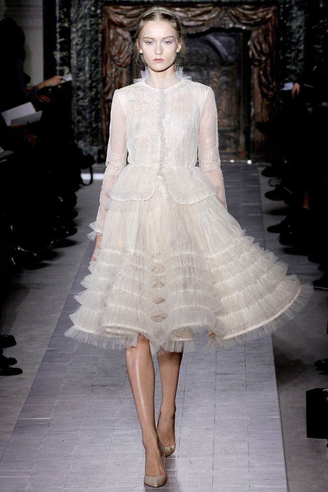 PARIS HAUTE COUTURE- Valentino Spring 2013. www.imageamplified.com, Image Amplified (18)