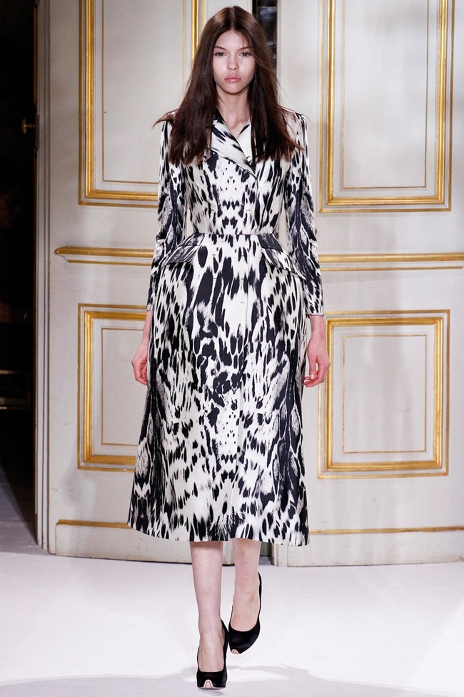 PARIS HAUTE COUTURE- Giambattista Valli Spring 2013. www.imageamplified.com, Image Amplified