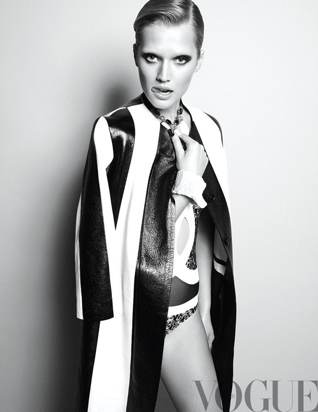 VOGUE MEXICO- Toni Garrn in Duelo de Titanes by Nagi Sakai. February 2013, www.imageamplified.com, Image Amplified (2)