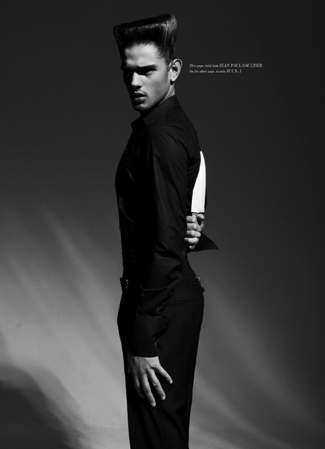 UMNO MAGAZINE- Marlon Teixeira in Knight Knife by Domino. Laurent Dumbrowicz, www.imageamplified.com, Image Amplified (8)