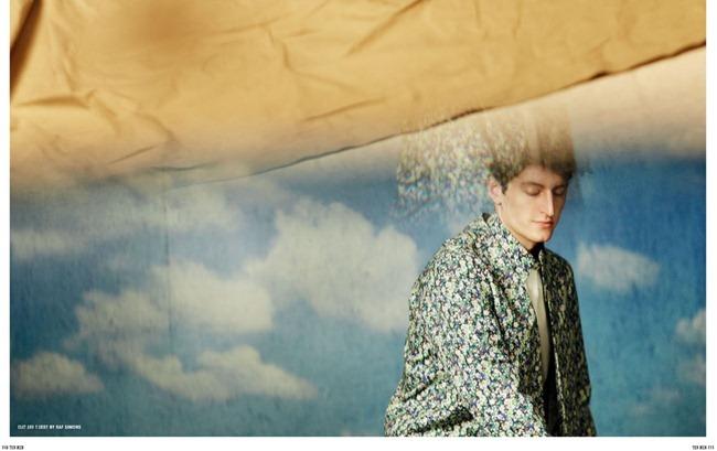 10 MEN MAGAZINE- Chris Beek & Rutger Schoone in Teenage Dream by Serge Leblon. Mattias Karlsson, Spring 2013, www.imageamplified.com, Image Amplified (1)