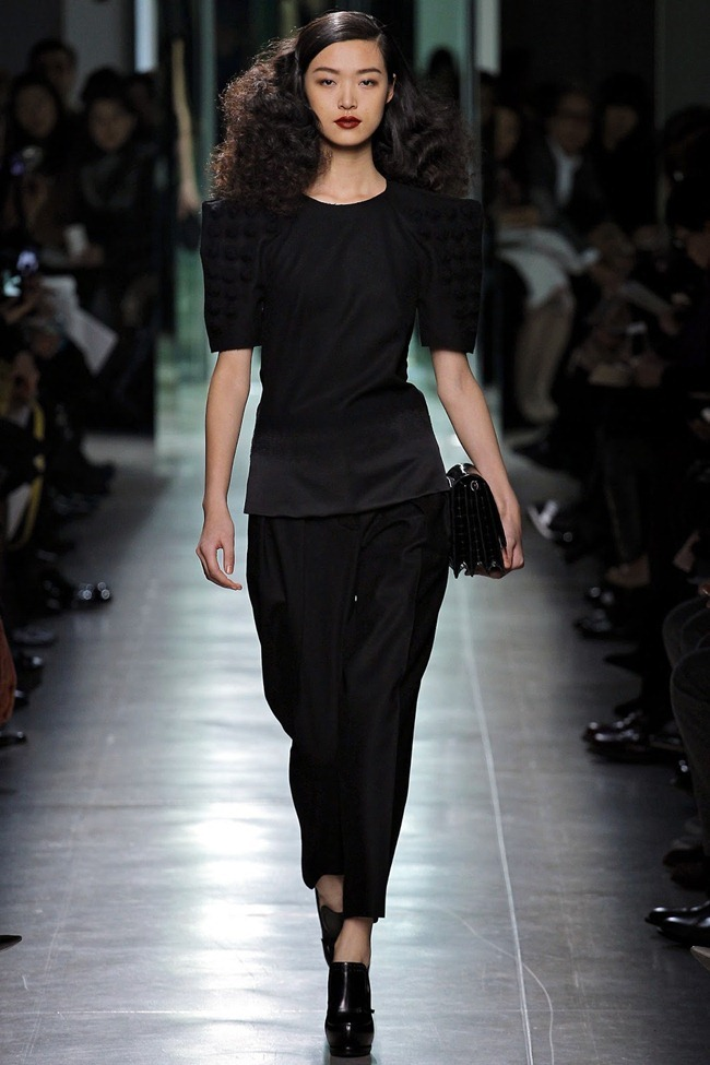 MILAN FASHION WEEK- Bottega Veneta Fall 2013. www.imageamplified.com, Image Amplified (17)