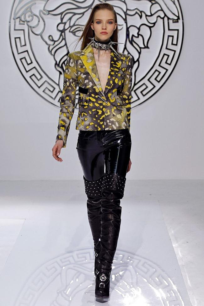 MILAN FASHION WEEK- Versace Fall 2013. www.imageamplified.com, Image Amplified (24)
