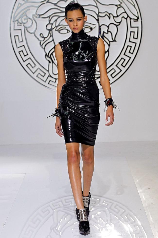 MILAN FASHION WEEK- Versace Fall 2013. www.imageamplified.com, Image Amplified (26)