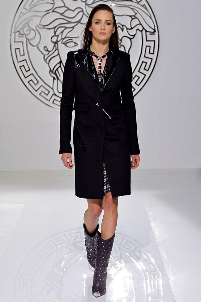 MILAN FASHION WEEK- Versace Fall 2013. www.imageamplified.com, Image Amplified (10)