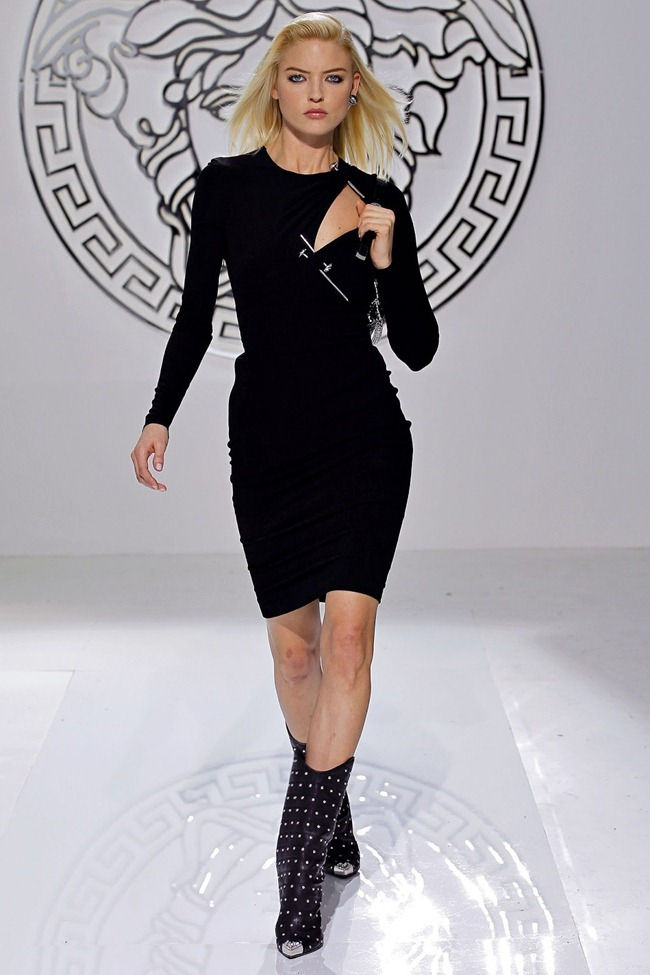MILAN FASHION WEEK- Versace Fall 2013. www.imageamplified.com, Image Amplified (11)