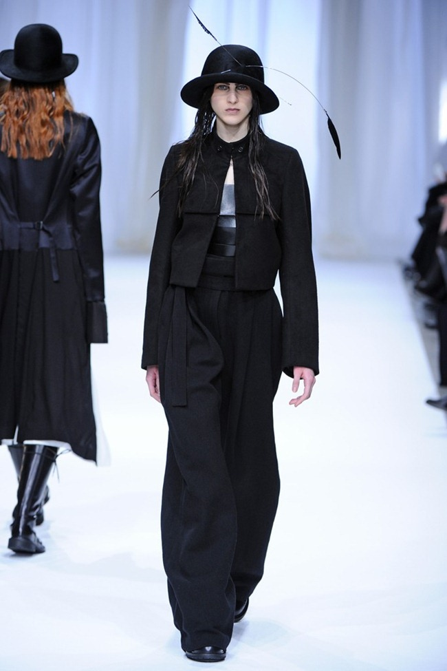 PARIS FASHION WEEK- Ann Demeulemeester Fall 2013. www.imageamplified.com, Image Amplified (21)