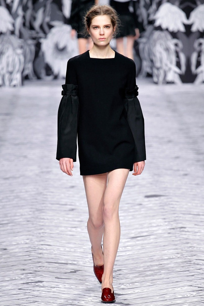 PARIS FASHION WEEK- Viktor & Rolf Fall 2013. www.imageamplified.com, Image Amplified (6)