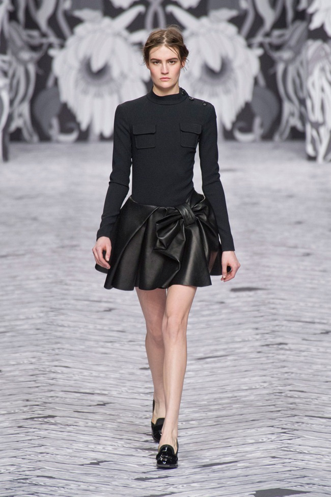 PARIS FASHION WEEK- Viktor & Rolf Fall 2013. www.imageamplified.com, Image Amplified (35)
