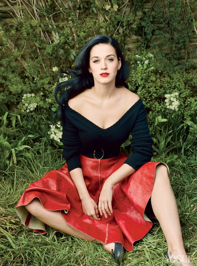 VOGUE MAGAZINE Katy Perry in Beauty And The Beast by Annie Leibovitz. Tonne Goodman, July 2013, www.imageamplified.com, Image Amplified (4)