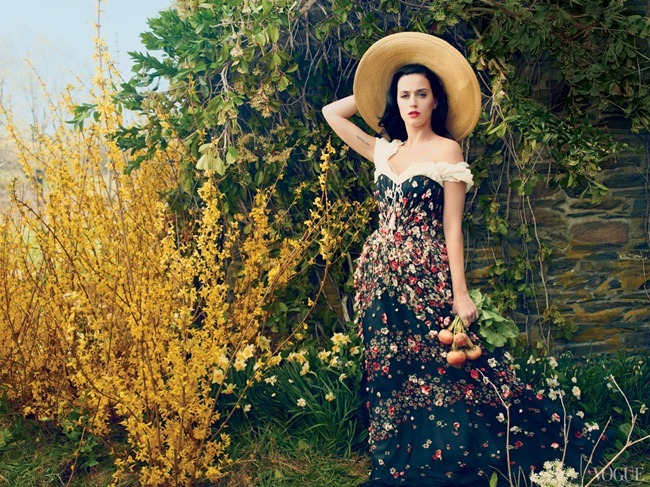 VOGUE MAGAZINE Katy Perry in Beauty And The Beast by Annie Leibovitz. Tonne Goodman, July 2013, www.imageamplified.com, Image Amplified (2)