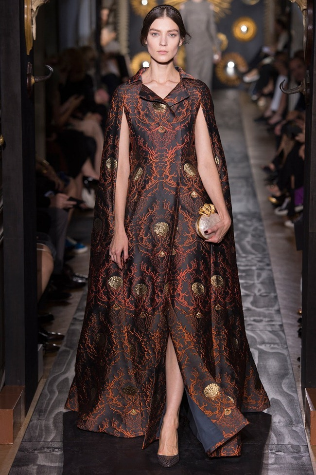 PARIS HAUTE COUTURE- Valentino Fall 2013. www.imageamplified.com, Image Amplified (18)