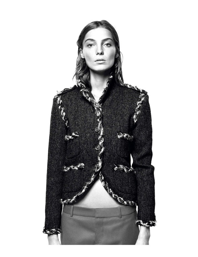 VOGUE PARIS- Daria Werbowy in Londres En Majeste by David Sims. Emmanuelle Alt, August 2013, www.imageamplified.com, Image Amplified (3)