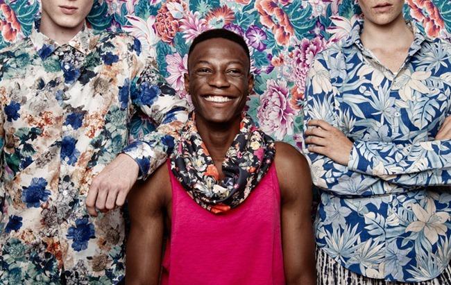FUCKING YOUNG! ONLINE- Gabriel Selassie , Swantie & Linus in Flowers by Martina Cyman. Louisa Ritter Witt, www.imageamplified.com, Image Amplified (1)
