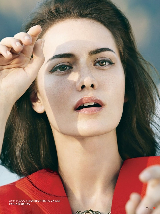 VOGUE TURKEY- Fahriye Evcen by Olaf Wippenfurth, September 2013, www.imageamplified.com, Image Amplified (4)