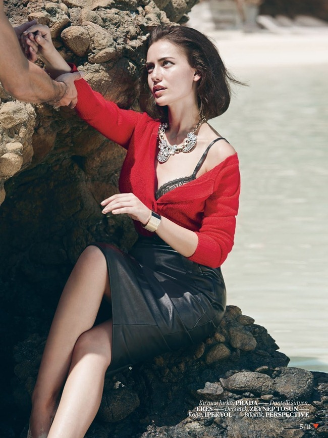 VOGUE TURKEY- Fahriye Evcen by Olaf Wippenfurth, September 2013, www.imageamplified.com, Image Amplified (2)