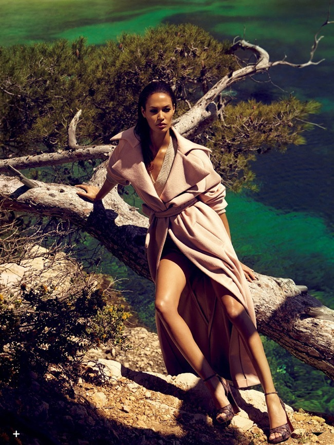 VOGUE JAPAN- Joan Smalls in A Wave of Reflection by Sean & Seng. Sissy Vian, October 2013, www.imageamplified.com, Image Amplified (3)