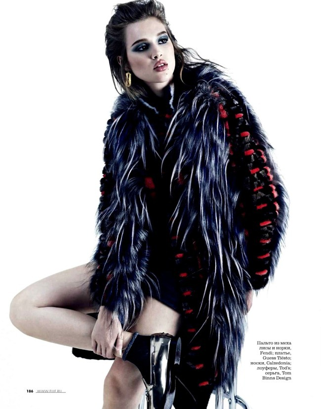 ELLE RUSSIA- Anais Pouliot in Without Panic by KT Auleta. Daria Anichkina, October 2013, www.imageamplified.com, Image Amplified