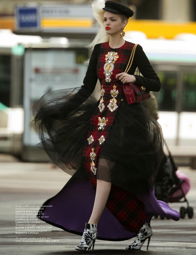 VOGUE NETHERLANDS- Daphne Groenveld in Clash of the Tartans by Hans Feurer. Marije Goekoop, October 2013, www.imageamplified.com, Image Amplified (6)