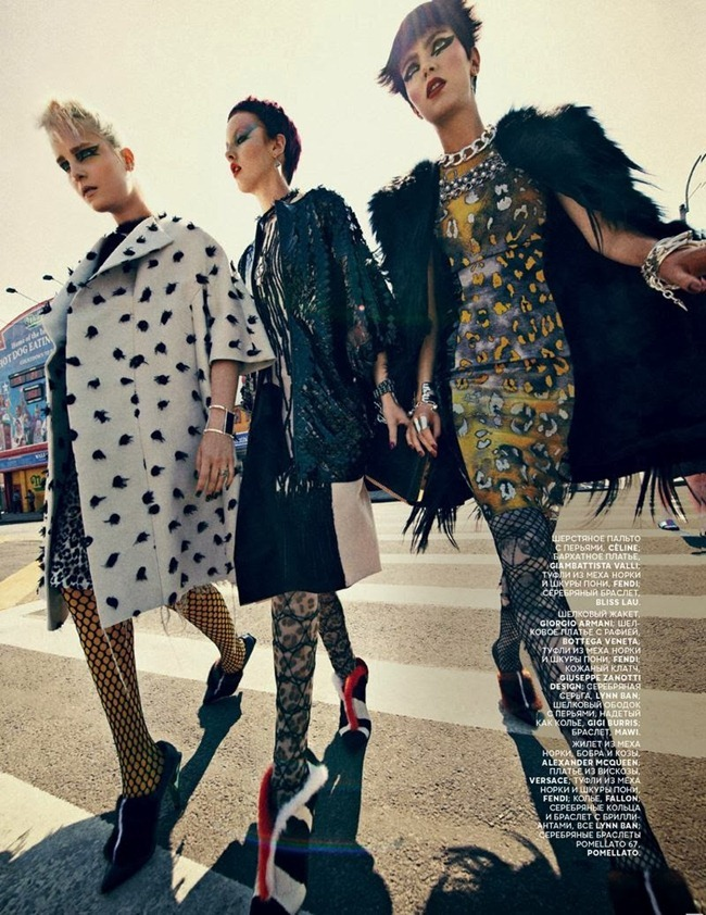 VOGUE RUSSIA Agnes Nabuurs & Charlotte Tomas in Chic Shine Punk by Sebastian Kim. Natasha Royt, October 2013, www.imageamplified.com, Image Amplified (7)
