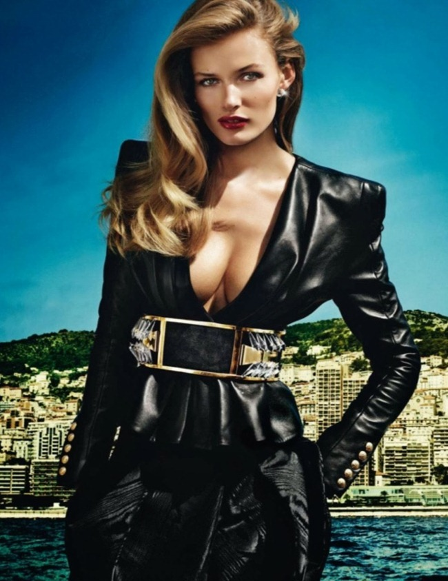 VOGUE PARIS- Anja Rubik & Edita Vilkeviciute in French Riviera by Mario Testino. Emmanuelle Alt, October 2013, www.imageamplified.com, Image Amplified (1)